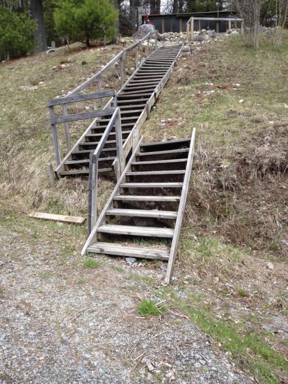 escaleras-562x750