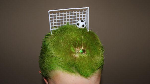 dia-peinados-extravagantes-escuela-13