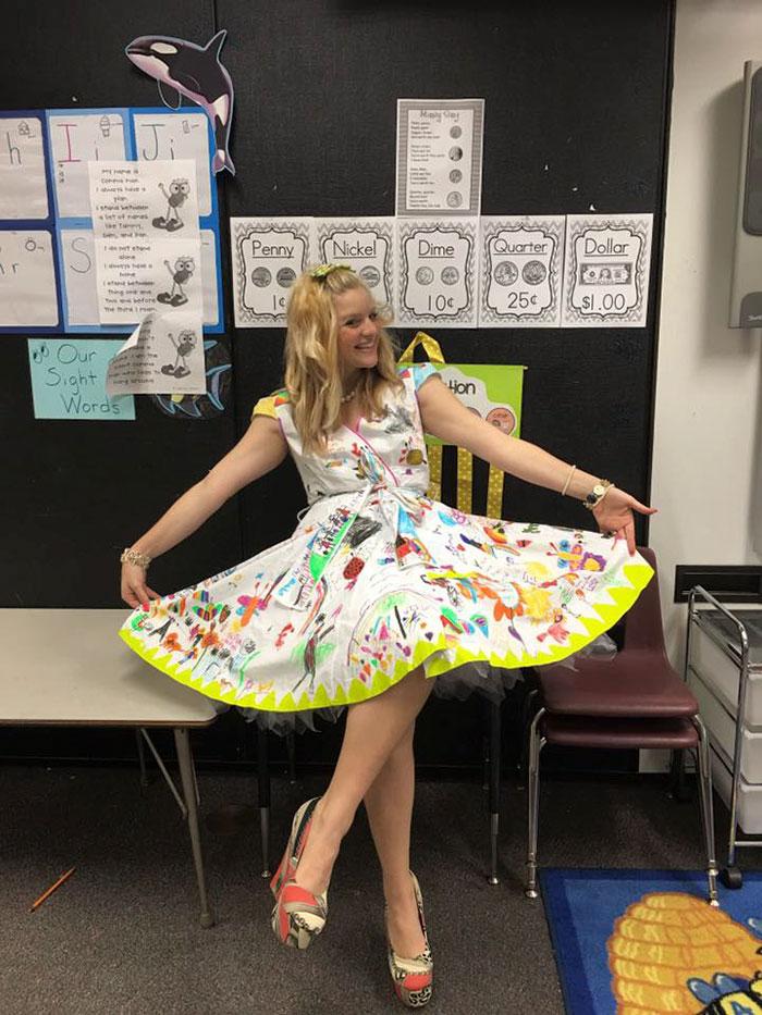 vestido-profesora-pintado-alumnos-chris-castlebury-4